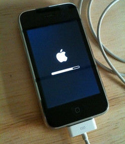 iphone stuck on update how to fix an iphone stuck at apple logo 15475